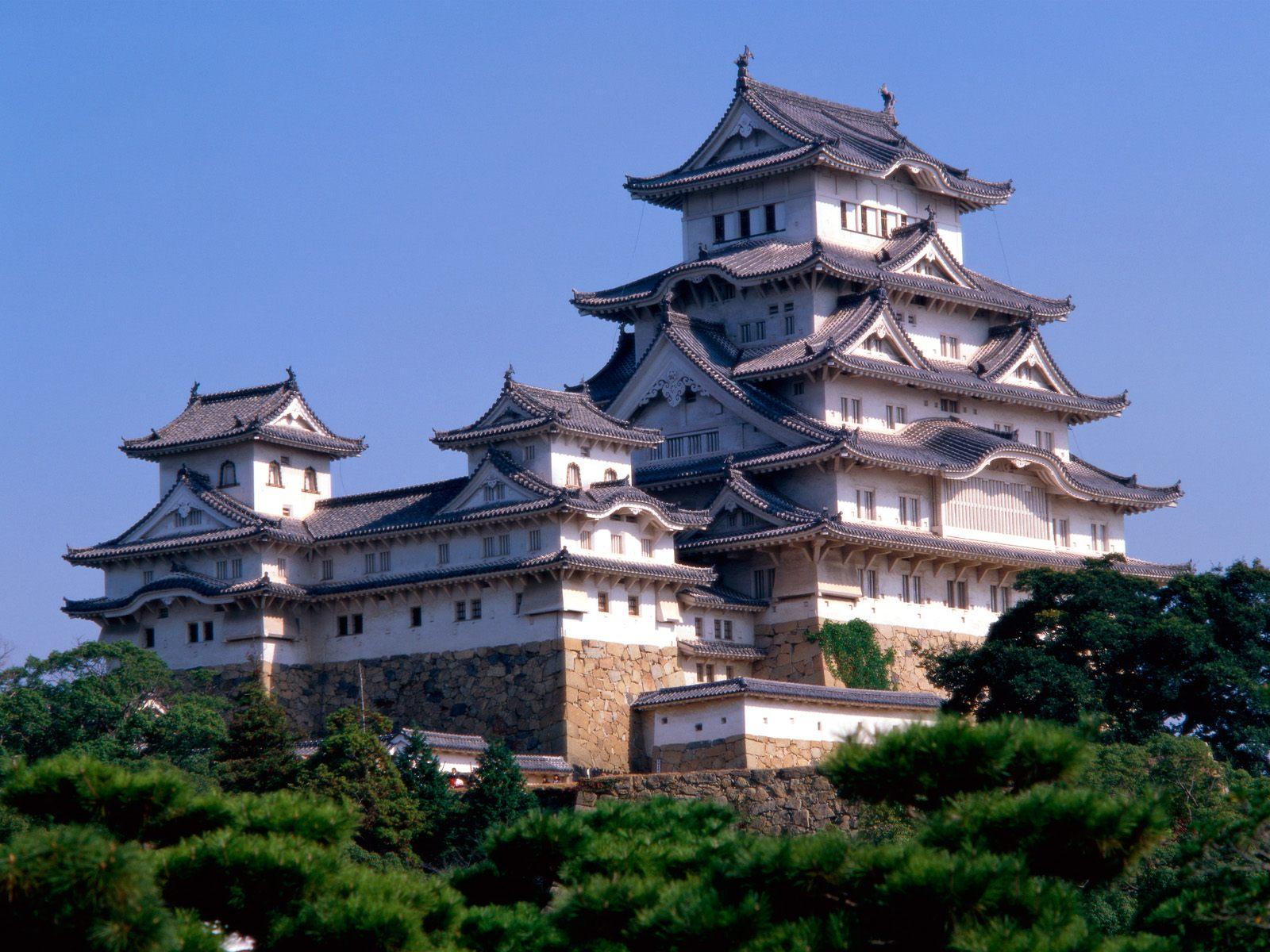 Himeji-Castle-Japan-1