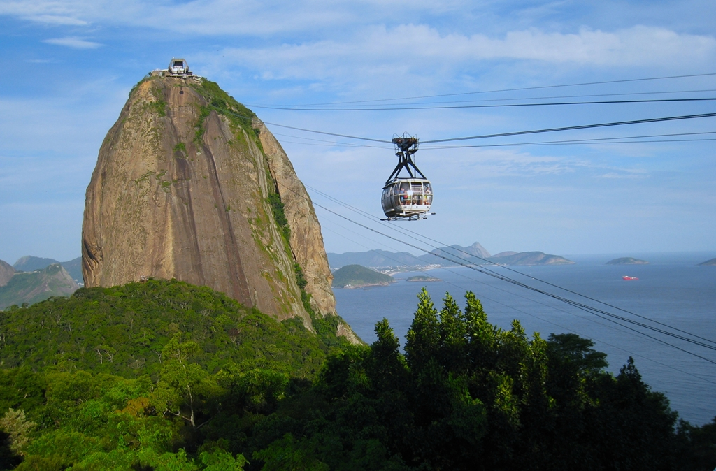 rio-sugarloaf-cable-car-ride-2014