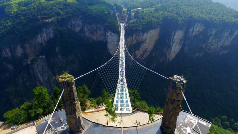 the-zhangjiajie-glass-bridge-opens-3