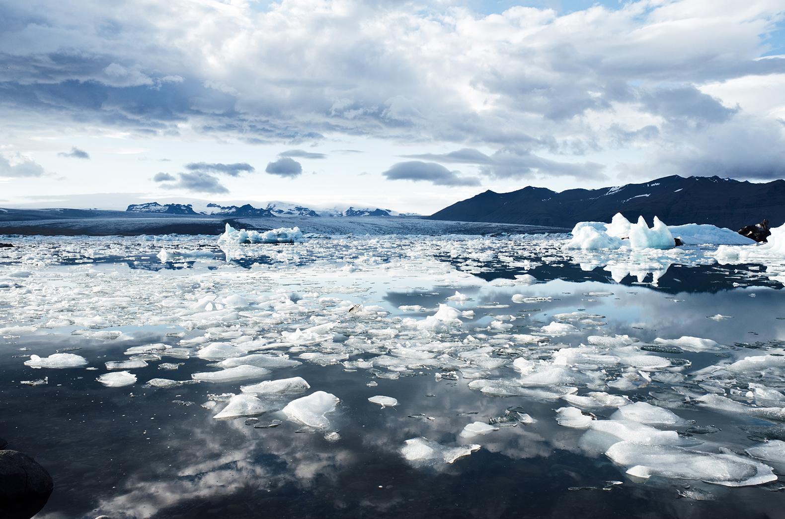 climate_change_melting_icebergs