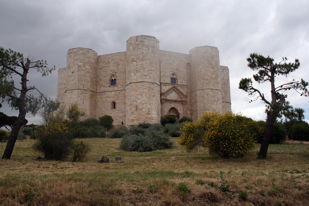 castel-del-monte-ii-frigyes-sajattervezesu-vadaszkastelya-kultvilor