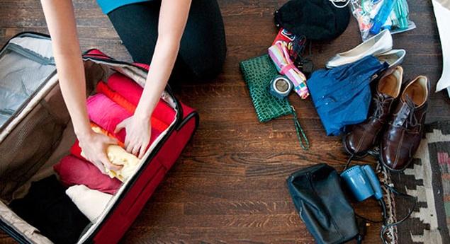 packingtipssuitcasehalffull-4272012-105556_panoramic