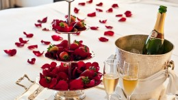 valentines-package-hotel-north-dublin-2048x1024