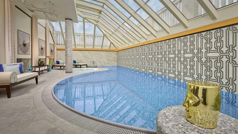 TheRitzCarltonBudapest_SwimmingPool_Day