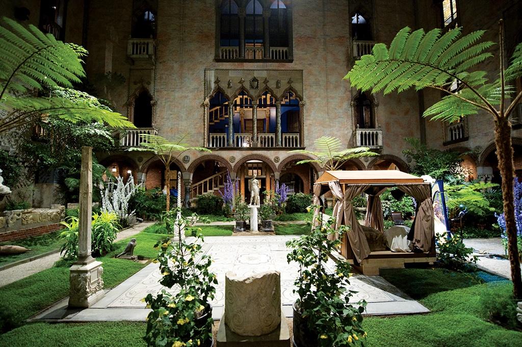 Az Isabella Stewart Gardner Múzeum páratlan gyűjteménnyel, remek programokkal, kiállításokkal és egy csodálatos udvarral várja a látogatókat