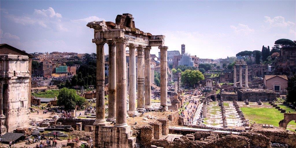 A Forum Romanum még ma is sejteti látogatóival, hogy micsoda hatalmas és pazar hely volt anno az antik Róma