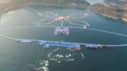 Ez az 50 km-es vízi sétaút a Hongshui folyón olyan hosszú, mint az Erzsébet hídtól vezető út le Gárdonyig