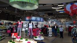 Az Intersport áruház belső tere teljes átalakításon esett át