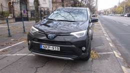 Toyota RAV4 hibrid