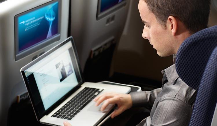Megúszhatjuk a fedélzeti laptop-stopot