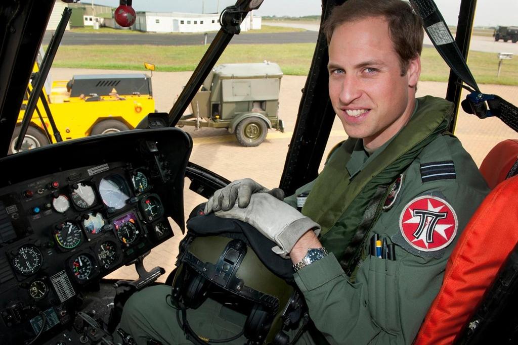 Vilmos herceg 2015 óta az East Anglian Air Ambulance kötelékében repül; Kép forrása: The Sun