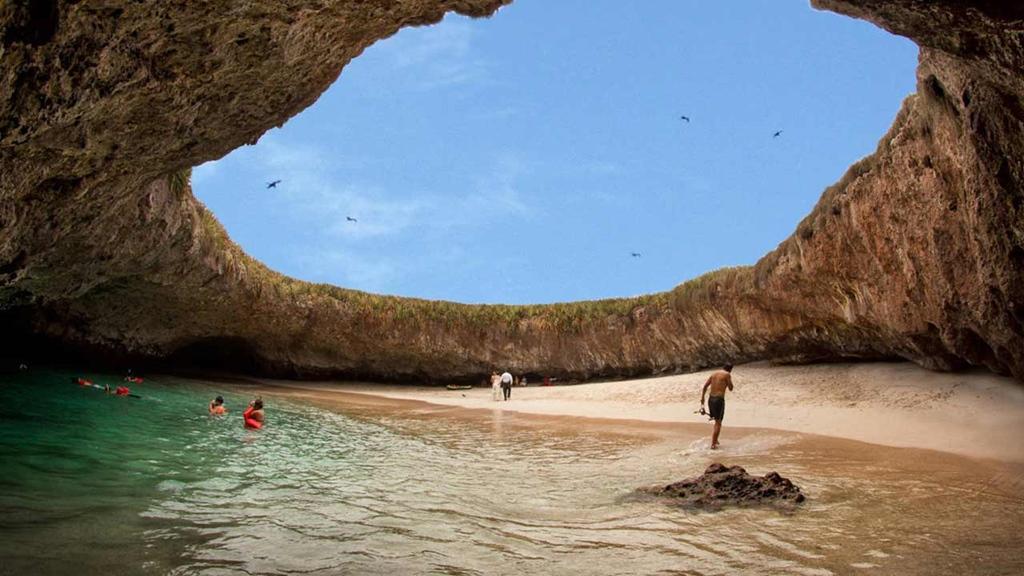 Képzett idegenvezető nélkül lehetetlen megtalálni a strandot és a hozzá vezető utat