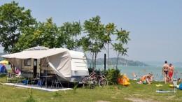 Csaknem teltház a Balatontourist kempingjeiben