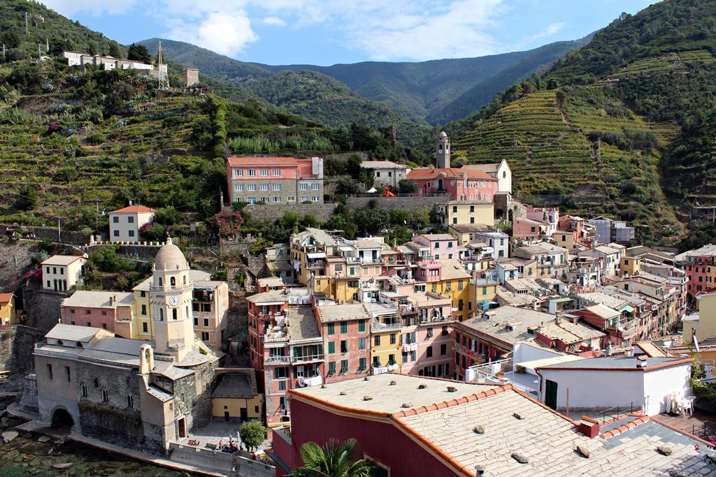 Vernazzai tájkép a vártorony tetejéről