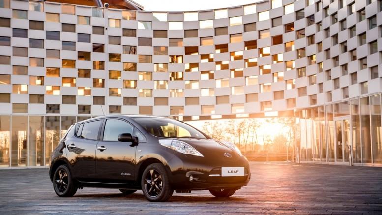 A környezetbarát Nissan LEAF villanyautó