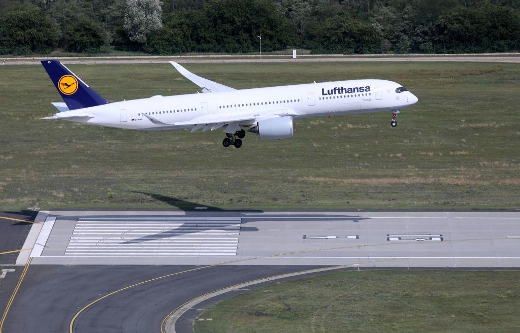 Jubileumi budapesti látogatáson az ultramodern Airbus A350