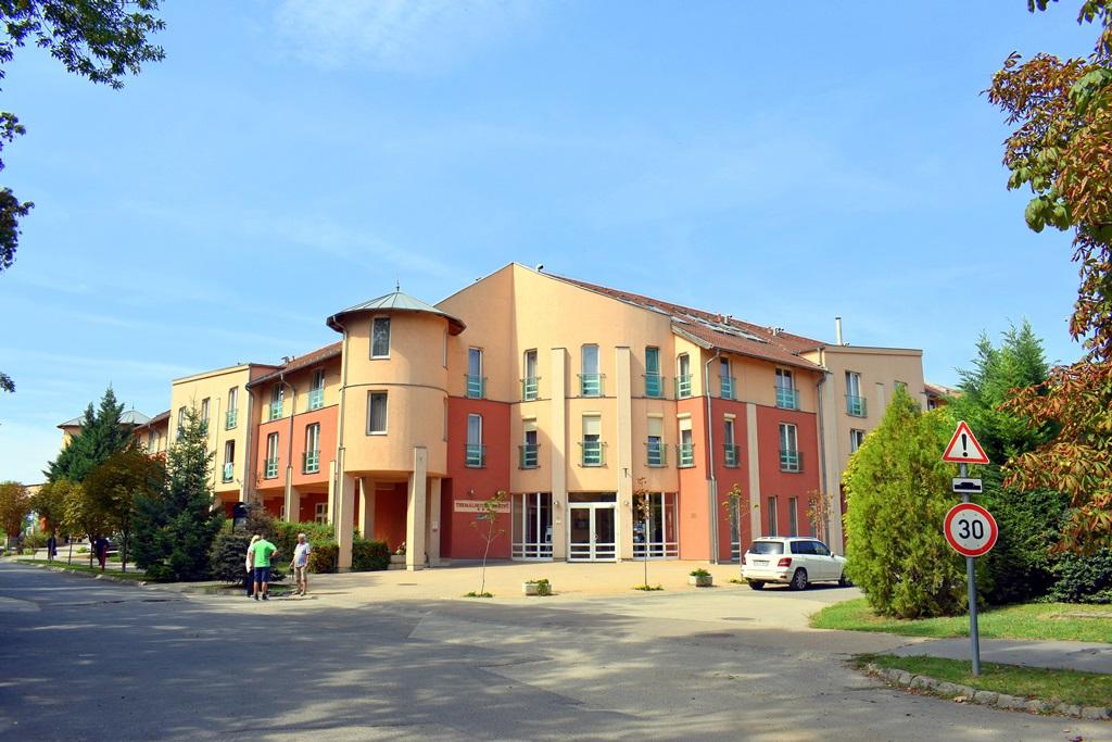 Martfűi Termál SPA*** hotel, ahol a gyógyulás, a pihenés, az aktív kikapcsolódás és a meleg vendégszeretet egyaránt biztosított a vendégeknek