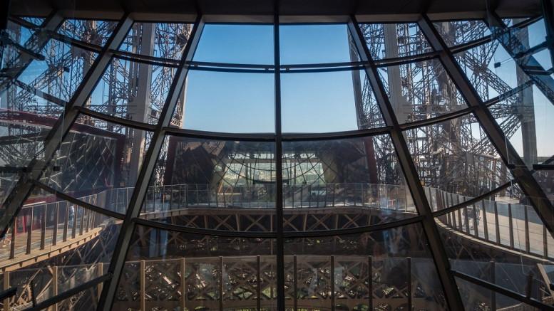 Párizsi ünnep: 128 év, 300 millió látogató