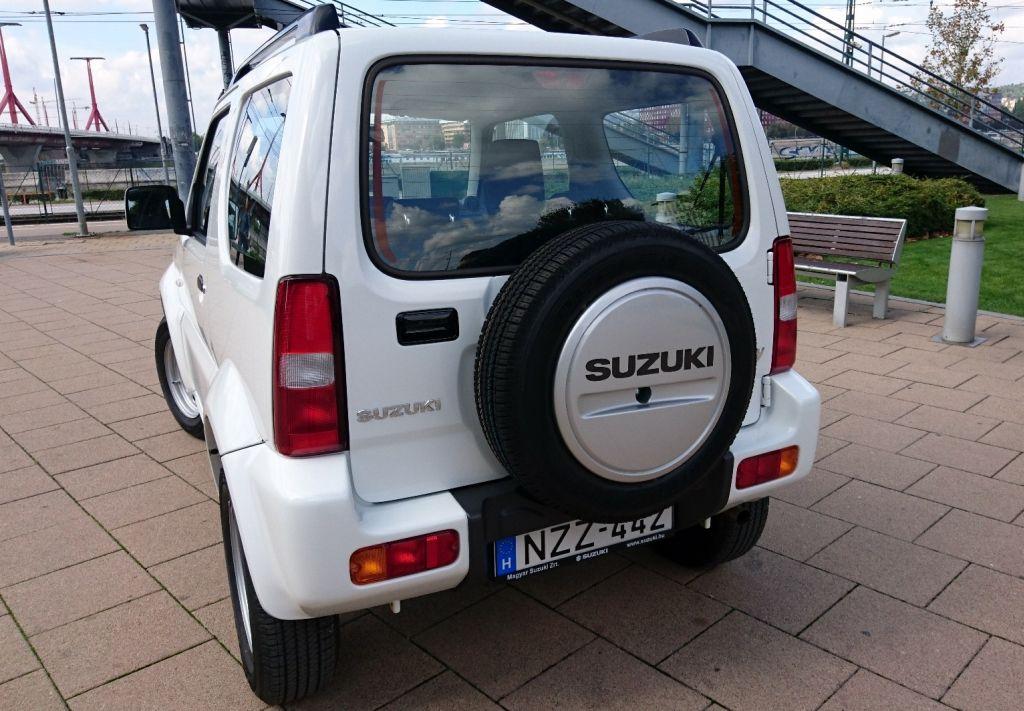 Az örökéletű szamuráj - Suzuki Jimny teszt