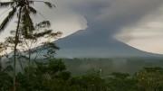 Földi paradicsomból pokoli sziget: vulkánkitörés miatt lezárták Bali repterét