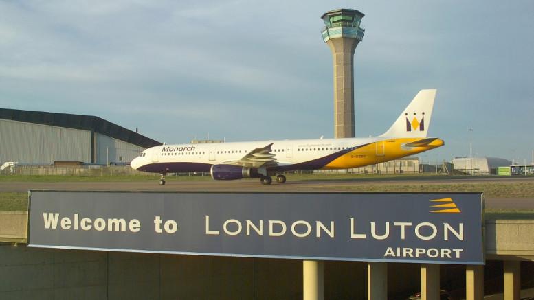 A Wizz Air szerezte meg az október elején csődbe ment Monarch Airlines London-Luton repülőtéren lévő résidőit, a társaság így 18 százalékkal tudja bővíteni a londoni kínálatát.