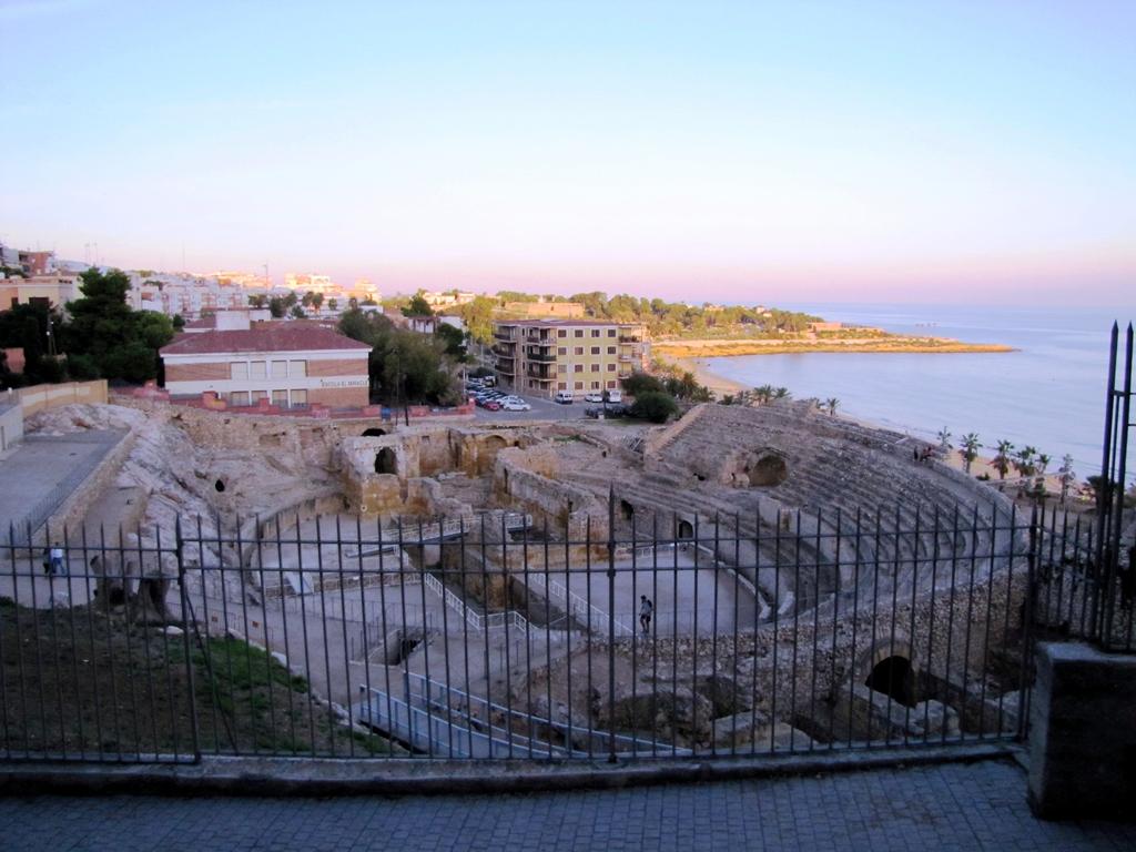 Római kori Amfiteátrum Tarragonában a tengerparton