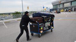 Szigorítottak a reptéren a csomaglopások miatt