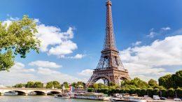 Visszatértek a külföldi turisták Párizsba