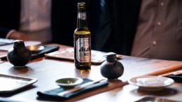 Az Asahi Super Dry-t, Japán első számú, nemzetközileg is nagy népszerűségnek örvendő sörét idén tavasszal vezeti be széles körben a magyar piacra a Dreher Sörgyárak