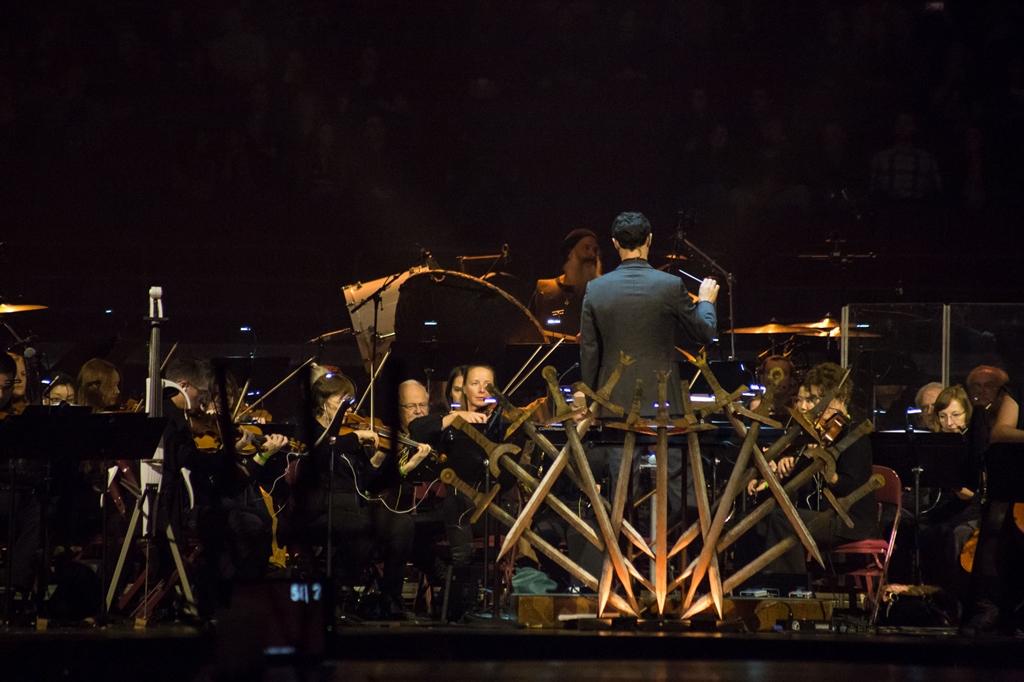 A Trónok harca négyszeresen Emmy-díjra jelölt zeneszerzője, Ramin Djawadi Budapesten is maga fogja vezényelni a nagyzenekarral, kórussal és szólóénekesekkel megspékelt koncertet