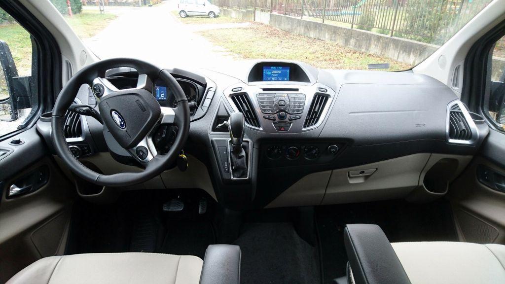 Nagyon nagy családi autó – Ford Tourneo Custom teszt