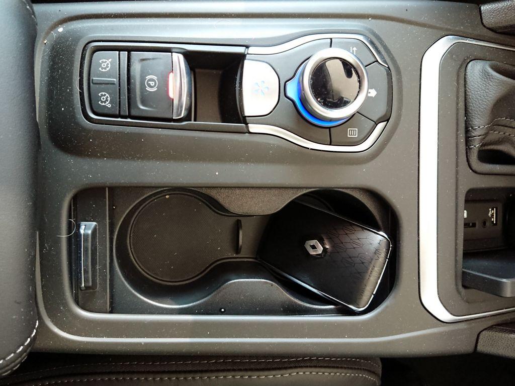 A száguldó masszázságy – Renault Talisman teszt