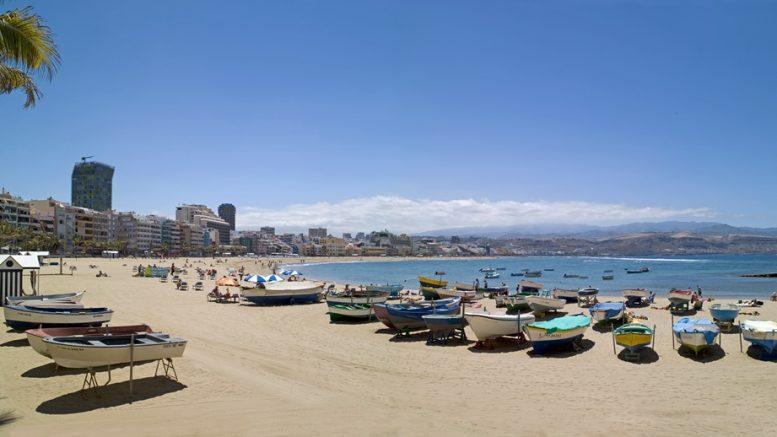 Las Canteras az egyik legjobb városi strand a Kanári-szigeteken