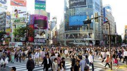Tokió a világ legnépesebb városa, s ez látszik is a folyamatos emberáradatban