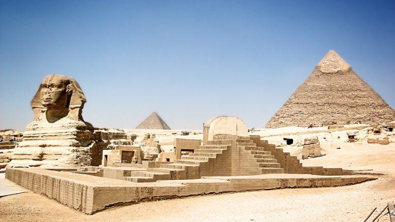 A gízai nagy szfinx a világ egyik legnagyobb és egyik legrégebbi szobra